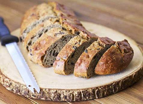 pão integral com azeitonas